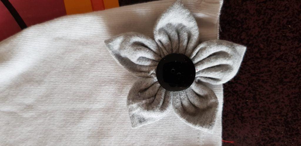 Création de fleurs en tissu - Les Bricoles de Gwenn