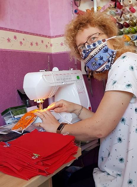 Confinement jour ? : tuto du masque barrière à plis type AFNOR - Les Bricoles de Gwenn