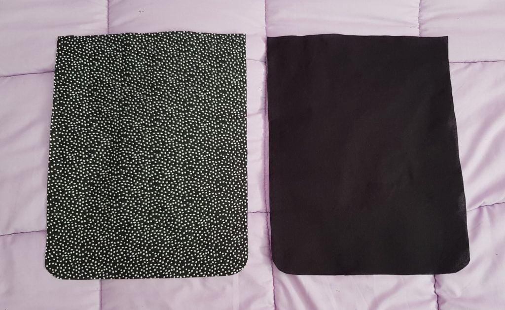 Deux pièces de tissus de 30.5x24