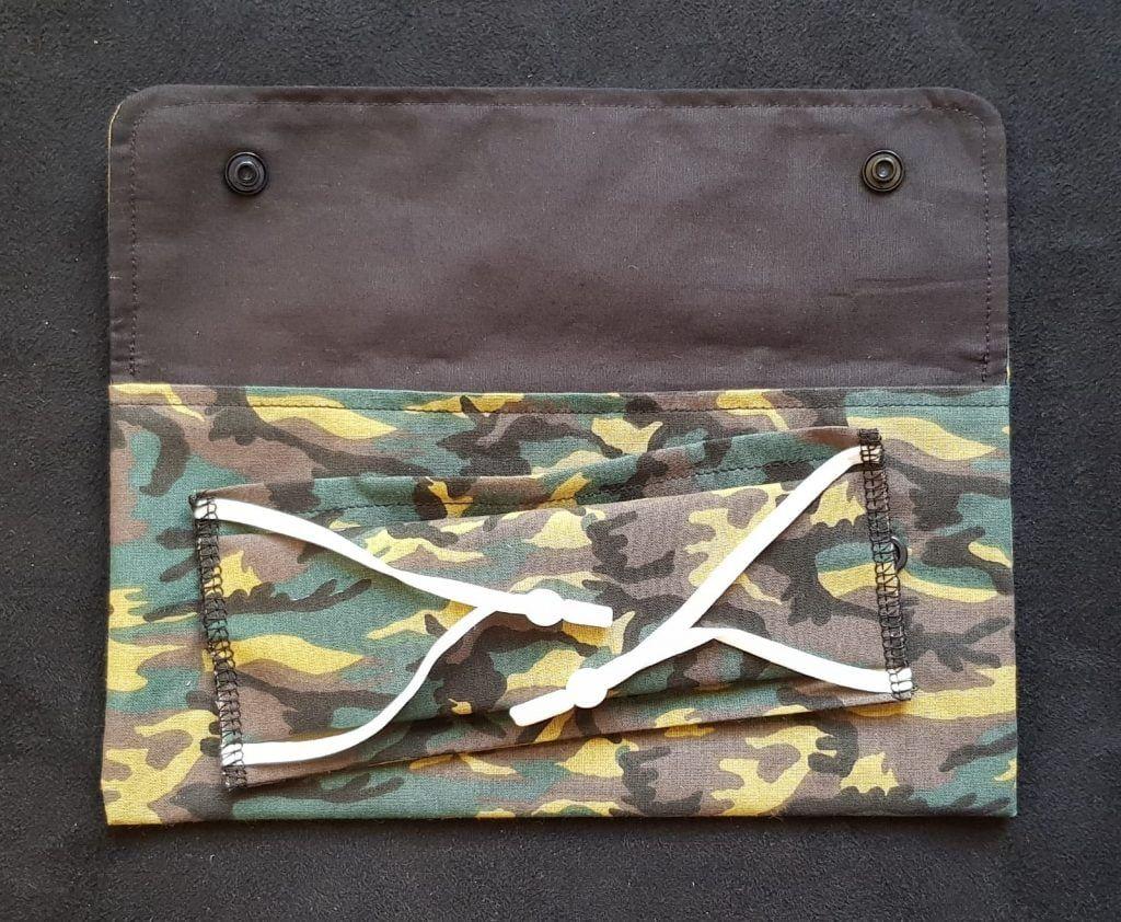 Pochette à masques tissu militaire